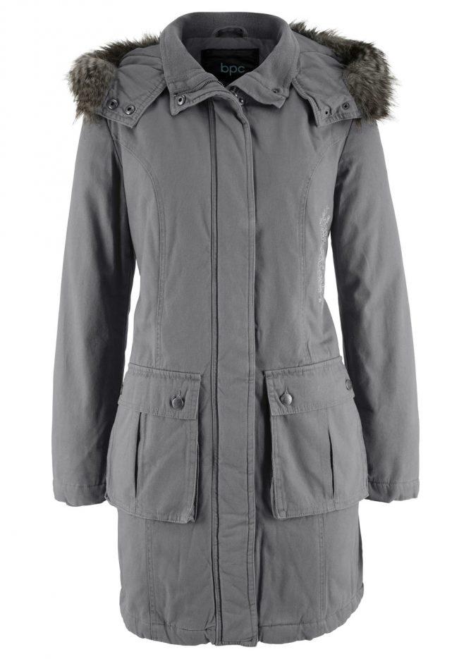 Kabát s výšivkou