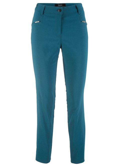 Strečové nohavice s úzkym strihom  Strečové nohavice pre moletky - lepšie sa prispôsobia postave.